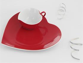 Kütahya Porselen'de aşkın rengi kırmızı