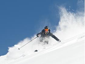Karlı 14 Şubat kayak merkezleri için kârlı geçecek