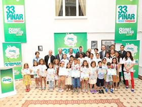 Blogger anneler çocuklarıyla, Türkiye'nin minik ressamlarını ziyaret etti